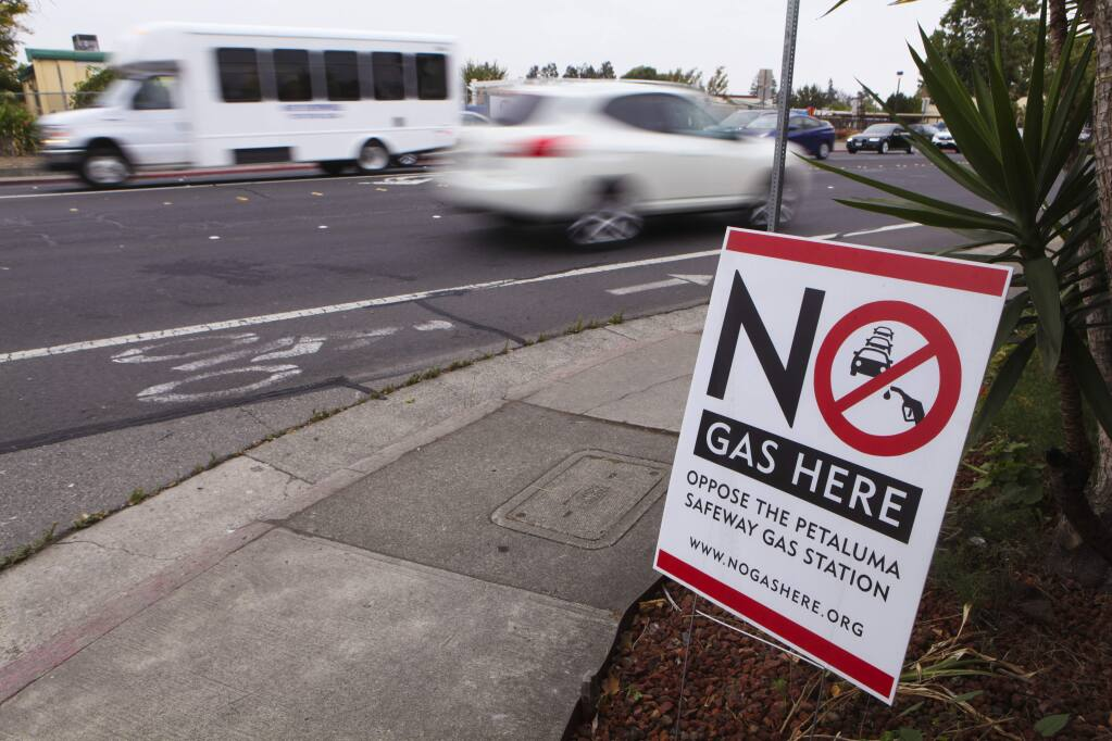The proposed Safeway gas station on McDowell Boulevard is opposed by many neighbors. It is situated across the street from the McDowell School. (CRISSY PASCUAL/ARGUS-COURIER STAFF)