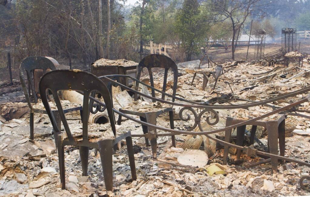 Fire damage in Glen Ellen. (ROBBI PENGELLY / Sonoma Index-Tribune)