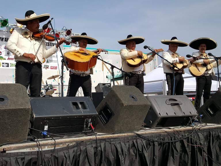 Cinco de Mayo Festival in Santa Rosa, May 5, 2015. (DEREK MOORE / PRESS DEMOCRAT)