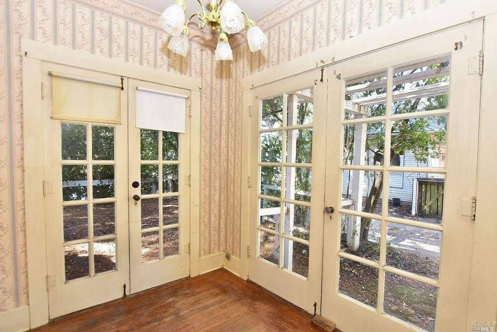 Dual French doors allow in plenty of light at 18363 Sonoma Highway, Sonoma. Property listed by Marguerita Castanera/CENTURY 21 Wine Country, century21.com, 707-738-1713. (Courtesy of BAREIS MLS)