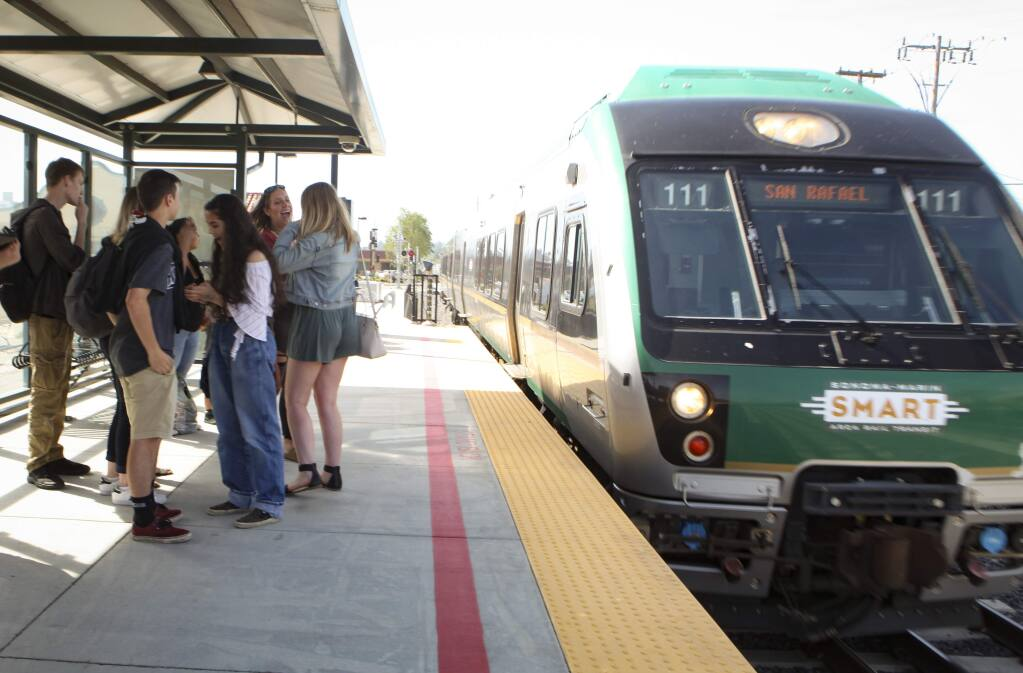 Petaluma, CA, USA._Friday, April 26, 2019. To encourage and educate teenagers to ride the SMART train and in honor of Earth Day, the Petaluma City Youth Commission rode the train from downtown Petaluma to San Rafael for dinner to teach them how to use the train and have fun. (CRISSY PASCUAL/ARGUS-COURIER STAFF)