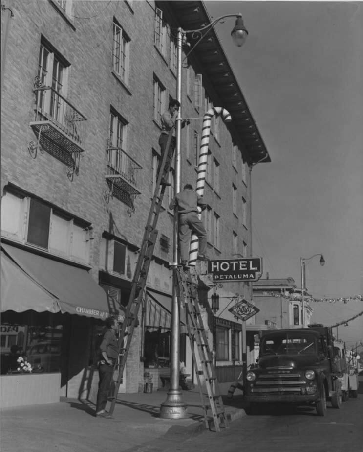 The Hotel Petaluma in 1945, when the Lanai Lounge filled the bottom floor where The Shuckery sits today. SONOMA COUNTY LIBRARY HERTIAGE COLLECTION