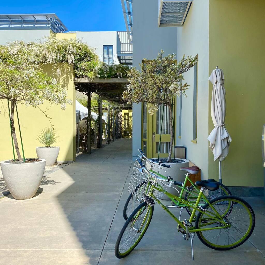 Complimentary bikes at Hotel Healdsburg. (Hotel Healdsburg/Facebook)