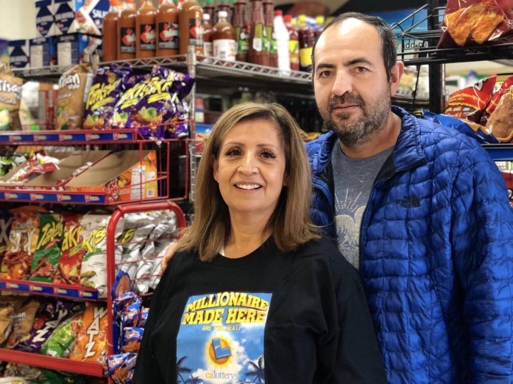 Raquel y Gilberto Campos, dueños de Super Latino Market sobre Sebastopol Road en Roseland. Ricardo Ibarra / La Prensa Sonoma