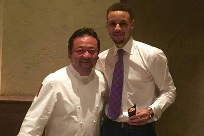Ken Tominaga and Warriors' Stephen Curry at PABU in San Francisco on Tuesday, May 10, 2016. (WWW.FACEBOOK.COM)