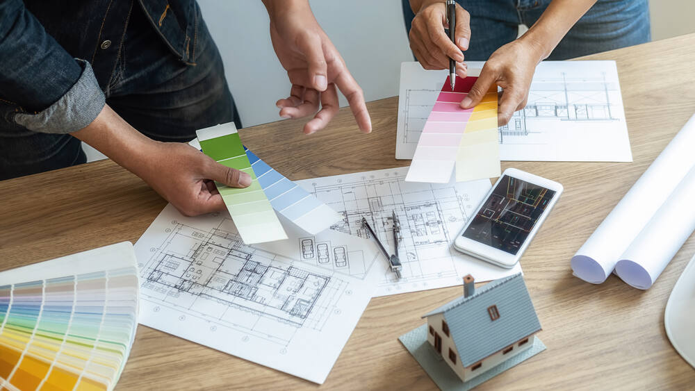 Younger home buyers, given the choice of a condominium or an existing fixer-upper, are more apt to pursue the latter and plunge into remodeling. (Pic Snipe / Shutterstock)
