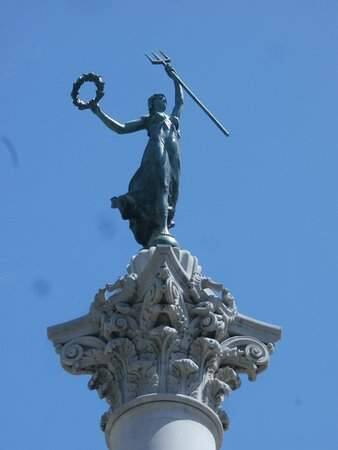 Alma Spreckels was the model for this statue in San Francisco.