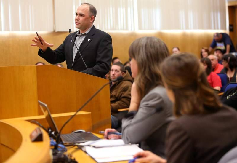 Chris Snyder, District 10 representative for the International Union of Operating Engineers Local No. 3, addresses the Sonoma County Board of Supervisors in support of Project Labor Agreements, in Santa Rosa on Tuesday, Jan. 14, 2014. (Christopher Chung / The Press Democrat)