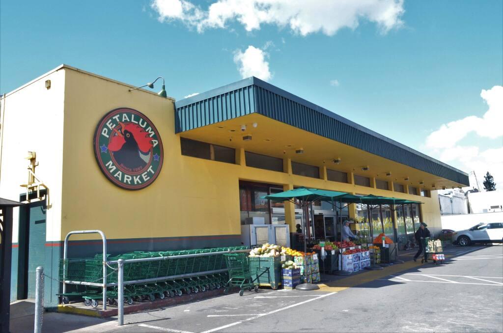 Petaluma Market. KATHRYN PALMER/ARGUS-COURIER STAFF