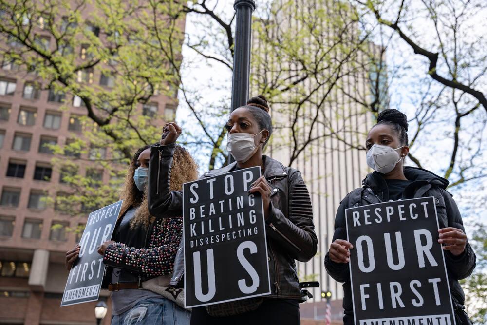 Demonstrators against police brutality in New York. (LUIGI MORRIS / Shutterstock)