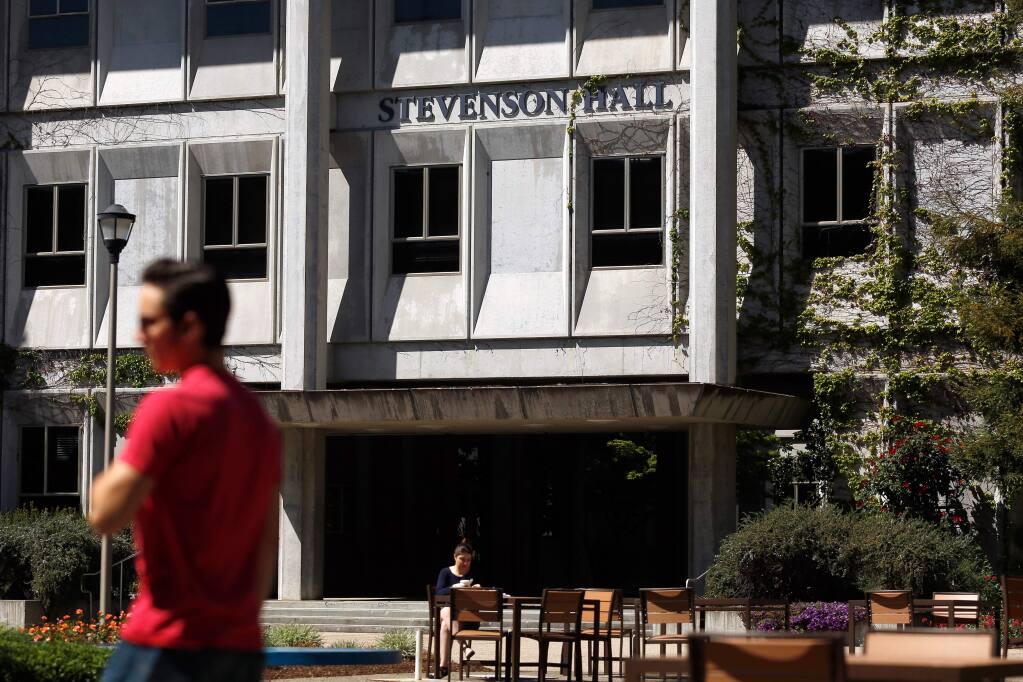 Students mill around in front of Stevenson Hall at Sonoma State University in Rohnert Park, California in 2016. (Alvin Jornada/The Press Democrat)