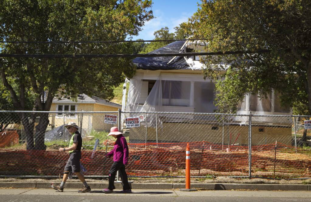 Petaluma, CA, USA._Tuesday, April 16, 2019. Construction continues on the Lafferty Community homes on Sunnyslope in West Petaluma. (CRISSY PASCUAL/ARGUS-COURIER STAFF)