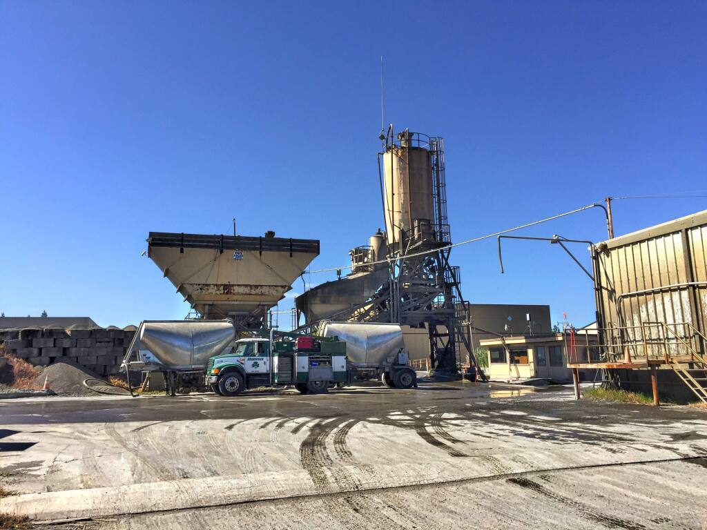 Shamrock Materials' ready-mix concrete batch plant near Charles M. Schulz-Sonoma County Airport north of Santa Rosa on May 9, 2017 (JEFF QUACKENBUSH / NORTH BAY BUSINESS JOURNAL)