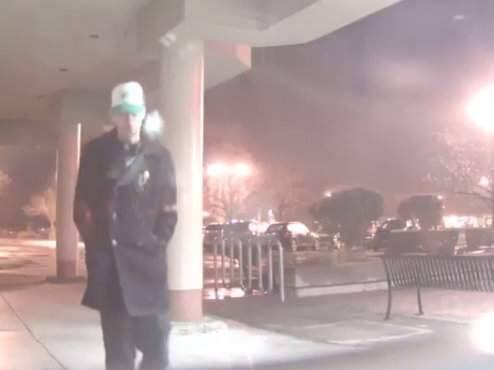 Security footage showing Justin Vandaveer, suspected of burglarizing Gold Rush Jewelers on Monday, Feb. 27, 2017. (GOLD RUSH JEWELERS/ YOUTUBE)