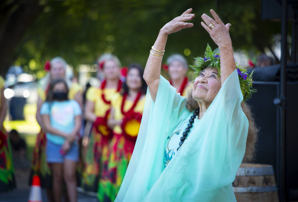 Sonoma Treasure Artist Betty Ann Bruno turned 90 and was celebrated with a Hawaiian birthday at the Moose Lodge. (Photo by Robbi Pengelly/Index-Tribune)