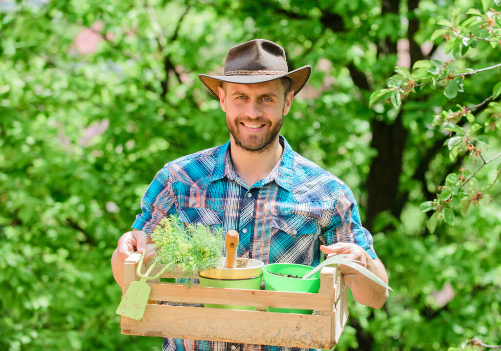 Sign up online for a Q-and-A with gardening experts. (Just dance/Shutterstock)