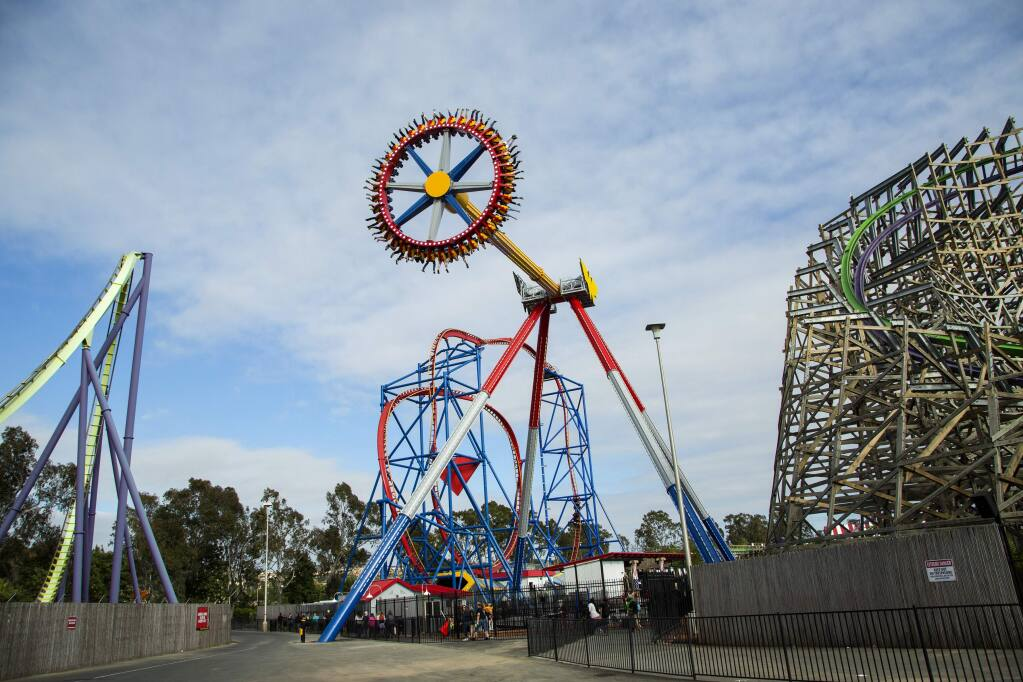 Six Flags Discovery Kingdom's new ride, Wonder Woman Lasso of Truth. Photo By: Greg Grudt/Mathew Imaging