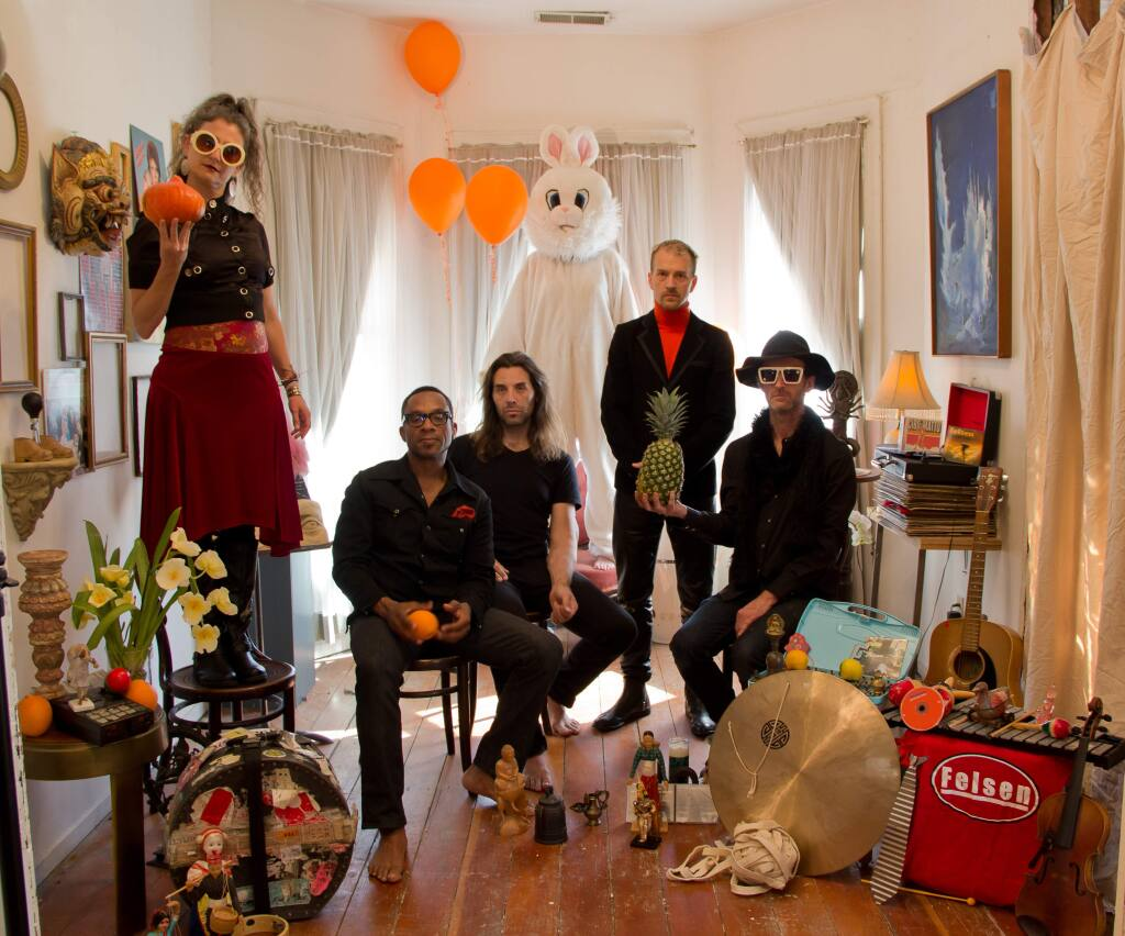 STEPHANIE WILLIAMSONFelsen, Oakland band describes itself as Felsen is a West Oakland Indie Underdog Semi-Supergroup precariously huddled around the music of benign, benevolent musical dictator and laxidaisical Hoosier genius, Andrew Griffin.