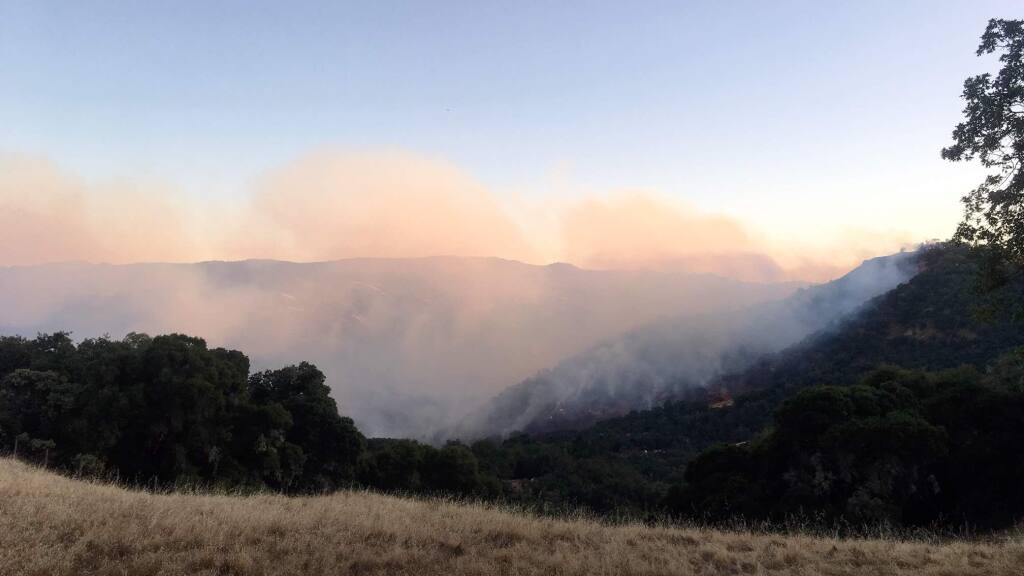A Mendocino County vegetation fire prompted evacuation orders for some areas between Ukiah and Hopland on Monday, Aug. 13, 2019. (KENT PORTER/ PD)