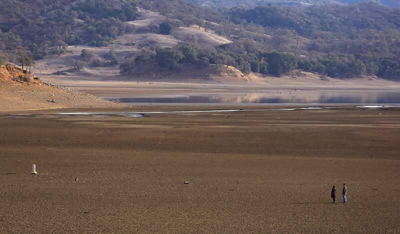 The level of Lake Mendocino continues to drop, Monday Dec. 30. 2013 in Ukiah. (Kent Porter / Press Democrat) 2013