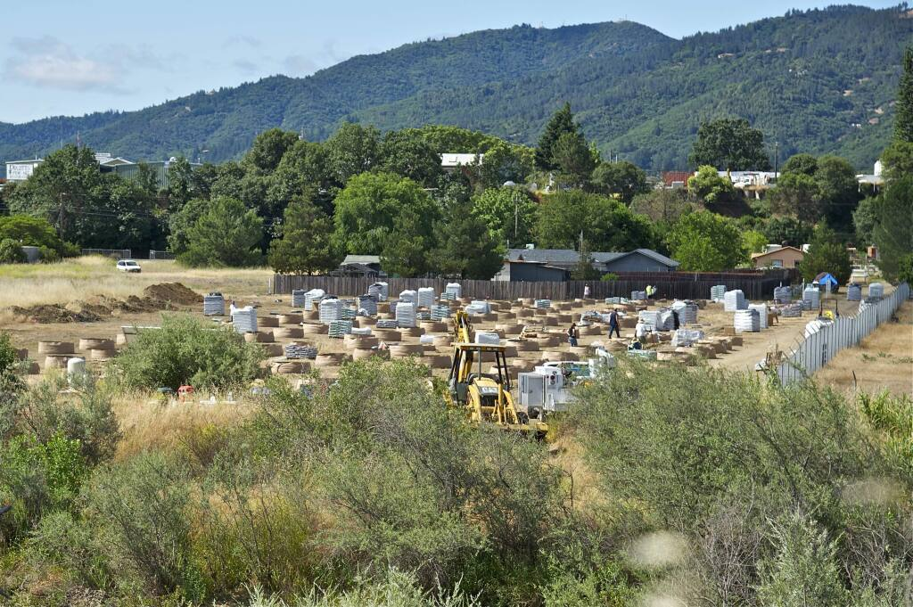 Signs of a planned medical marijuana growing operation have cropped up on an Indian rancheria just north of Ukiah along Highway 101. (PETER ARMSTRONG/ FOR THE PD)