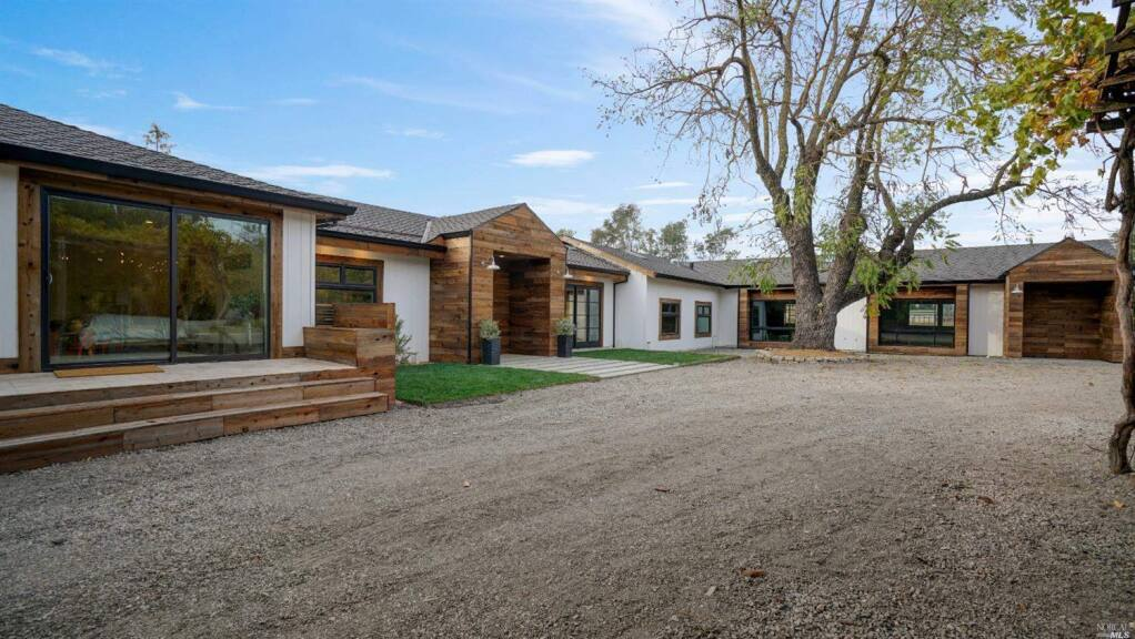 2530 Acacia Ave. is a 3 bedroom, 4 bathroom, 3,497-square-foot modern farmhouse on the market in Sonoma for $3,488,000. Take a peek inside. Property listed by Jennifer Parr/Sotheby's International Realty, sothebyshomes.com, 707-292-4641. (Courtesy of BAREIS MLS)