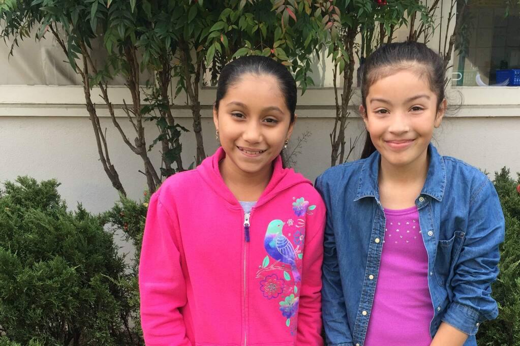 El Verano fifth graders Beatriz Lopez and Maribel Monroy-Saldivar.