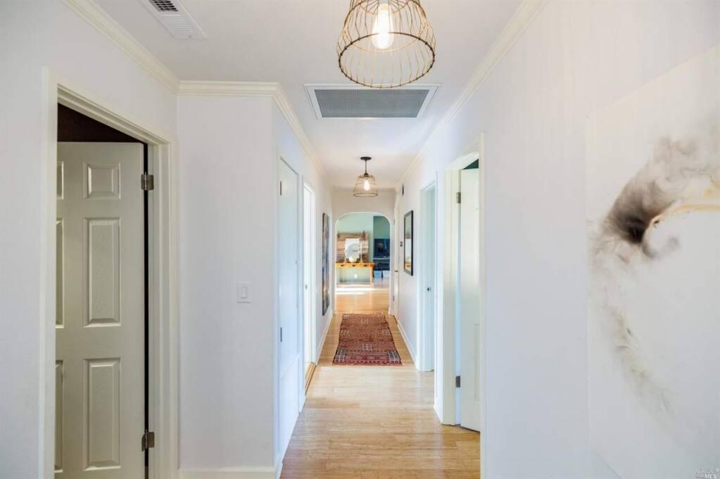 A long hallway perfect for hanging artwork at 324 Hannan Ranch Lane, Petaluma. Property listed by Lisa Capurro/ Sotheby's International Realty, lisacapurro.com, 707.935.2506. (Courtesy of NORCAL MLS)