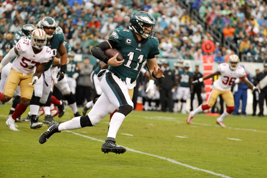 Carson Wentz Leads Eagles To 33 10 Victory Against Winless 49ers