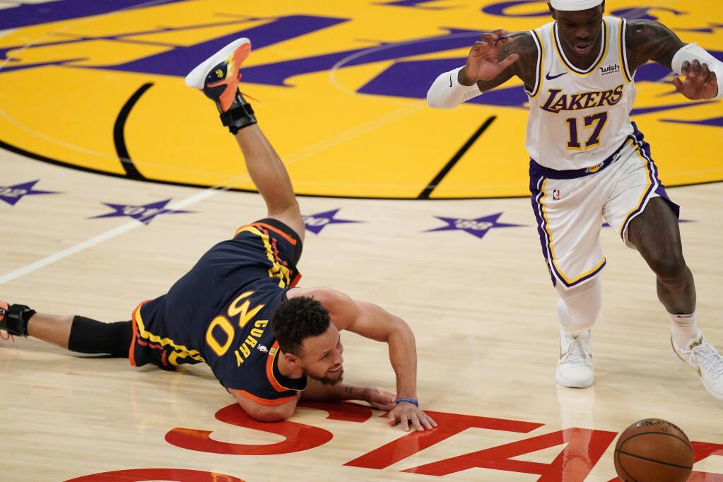 Lebron James Scores 19 In 1 300th Regular Season Game In Lakers Win