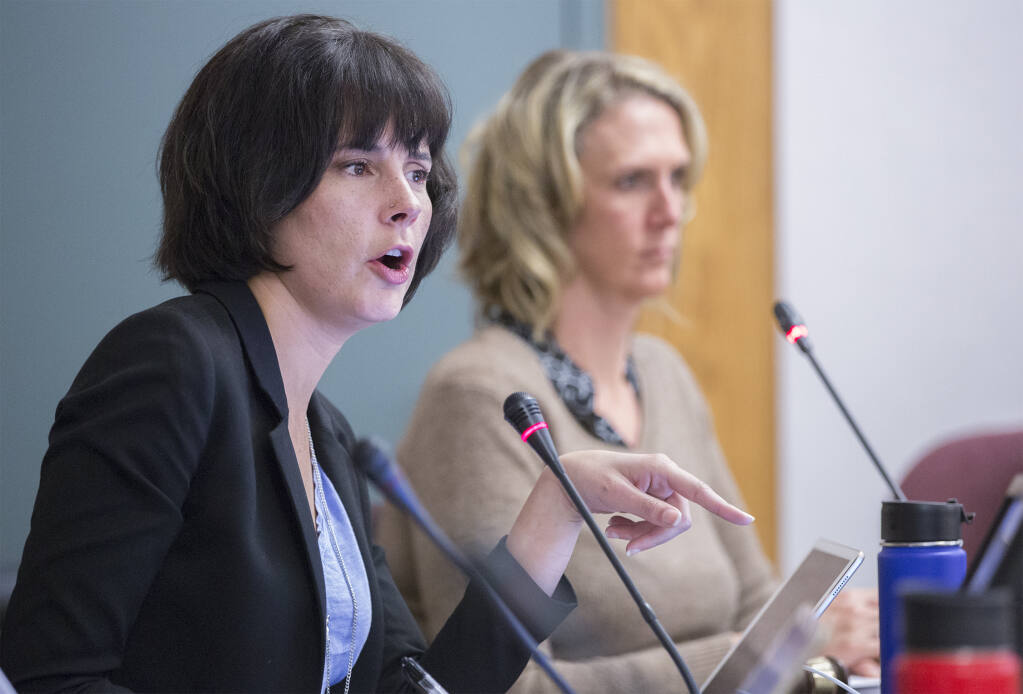 Councilmembers Rachel Hundley, left, and Amy Harrington, at a meeting in 2019. Hundley recused herself from a Oct. 5 vote on advancing the cannabis dispensary applicant, setting the stage for a 2-2 result and no action taken. (Photo by Robbi Pengelly/Index-Tribune)